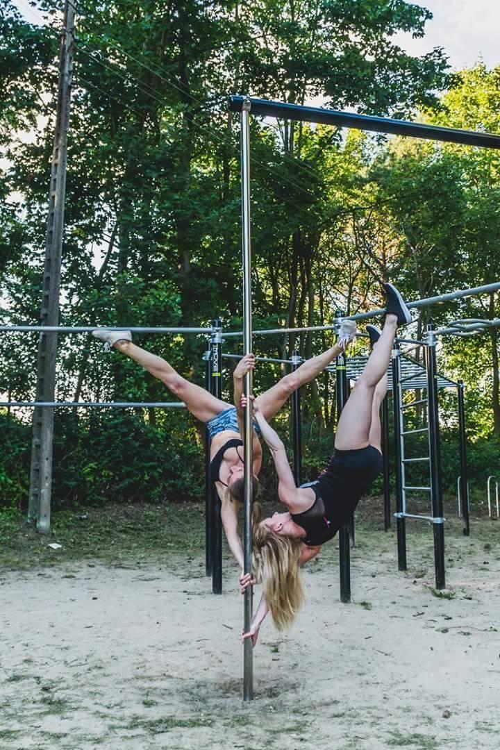 summer pole dance
